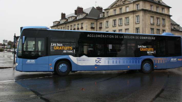 compi gne le conducteur de bus t m raire re u par la soci t acary evasion. Black Bedroom Furniture Sets. Home Design Ideas